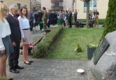 Konin. Młodzież ZS CKU uczciła pamięć pomordowanych w Katyniu