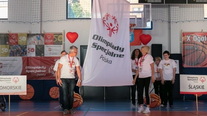 Olimpiady specjalne. Koszykarze rozpoczęli zmagania w Golinie