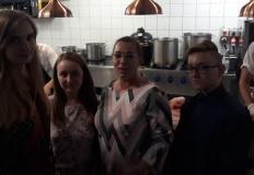 Kulinarna wycieczka. Uczniowie z Żychlina z wizytą u szefa Amaro