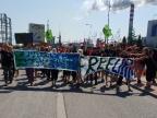 W obronie Matki Ziemi pikietowali przed elektrownią Pątnów