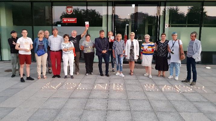 Pogrzeb polskiej praworządności. Koninianie w obronie sądów