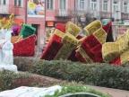 Turek stroi się na święta. Na rynku stanęły gigantyczne ozdoby