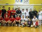 Piłkarki Medyka Konin i dziennikarze zagrali dla Tomasza Gapsy