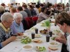 Do wielkanocnego stołu zasiedli kolscy seniorzy i osoby samotne