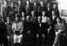 W poszukiwaniu śladów przeszłości: archiwa, cmentarze i... ślub