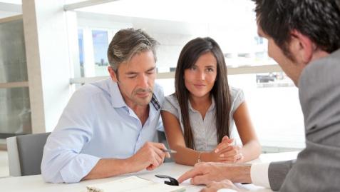Pożyczka ratalna a kredyt w banku - co je różni?