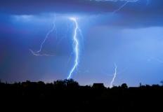 Uwaga! Nadciągają burze z gradem i trąby powietrzne