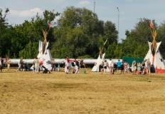 Koncerty, indiańska wioska i skoki przez przeszkody na błoniach