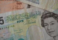 Bolączki wakacyjnej wymiany walut - szybka wymiana PLN/GBP