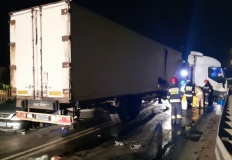 Utrudnienia w ruchu na Przemysłowej po nocnym wycieku paliwa