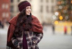 Ubrania wierzchnie podkreślające największe atuty kobiecej sylwetki