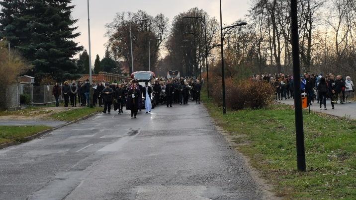W Koninie odbył się pogrzeb śmiertelnie postrzelonego 21-latka