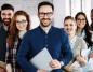 Czym firmy IT kuszą przyszłych pracowników
