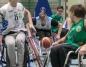 Koszykarze na wózkach grają w turnieju pamięci Roberta Wiśnika