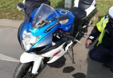 Konin. Motocykl potrącił 67-letnią kobietę na przejściu dla pieszych