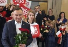 Andrzej Duda przybył do Tu ...
