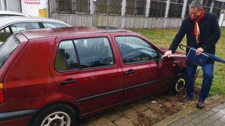 Akcja obywatelska w Koninie. Zinwentaryzują porzucone auta