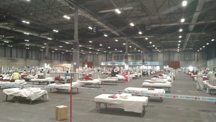 Hiszpańska służba zdrowia ledwo sobie radzi z pandemią