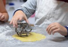 Zabawa w gotowanie. Jaka kuchnia dla dzieci będzie najlepsza?