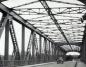 Decyzję o budowie żelaznego mostu podjęto po wielkiej powodzi