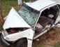 Królików. Samochód uderzył w drzewo. Kierowca był uwięziony