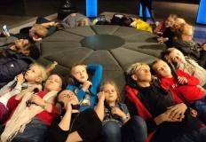 Jedyna szkoła w Koninie, w której nie ma pracy domowej, a dzieci uczą się na podłodze!