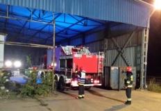 Ponad 30 strażaków walczyło z pożarem, który wybuchł w odlewni