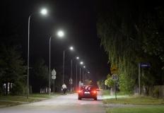 Samorząd inwestuje w przyszłość. W gminie Stare Miasto stanęło prawie 50 nowych lamp.