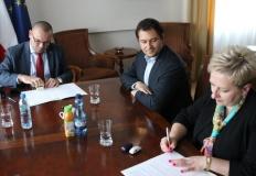 Konin. Władze MZK i PWSZ zawarły porozumienie o współpracy