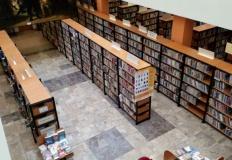 Co dalej z patronem biblioteki? Radni na komisji podzieleni