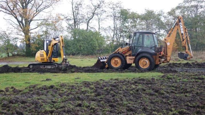 Grodziec. Rozpoczął się pierwszy etap budowy nowego boiska