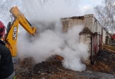 Mąkoszyn. Pożar w budynku gospodarczym. Zawalił się dach