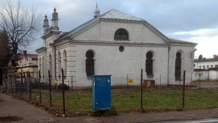 Konin. Miasto przejęło synagogę z placem po domu talmudycznym