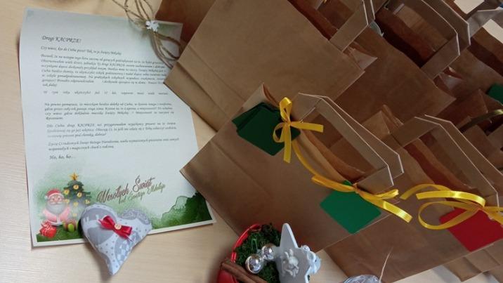 Zamiast spotkania, świąteczne paczki dla dzieci w pieczy zastępczej