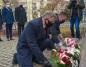 Konin. Kwiatami uczcili rocznicę wprowadzenia stanu wojennego