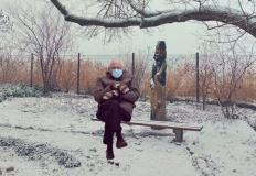Pamiętajcie, aby ciepło się ubrać na spacer po muzealnym ogrodzie