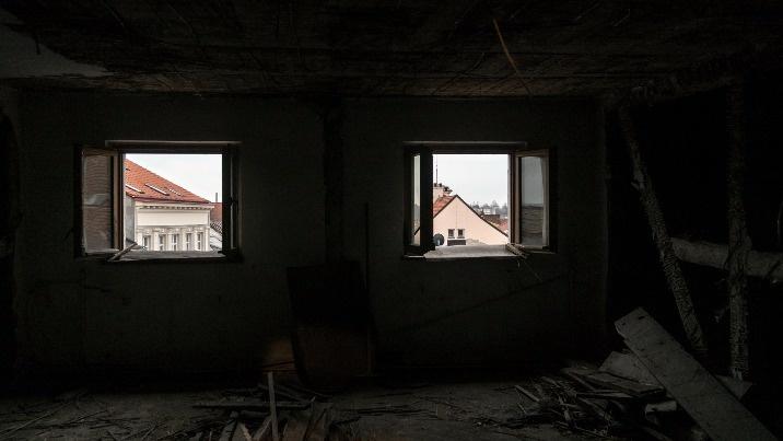 Trwa remont w zabytkowym Domu Zemełki. Odsłonięta więźba