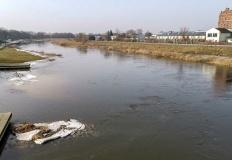 Poziom rzek: stan ostrzegawczy w Kościelcu, wysoki poziom Powy