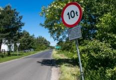 Janów. Kazimierz Biskupi zamknął drogę dla samochodów ciężarowych. Władze Konina mówią o haraczu