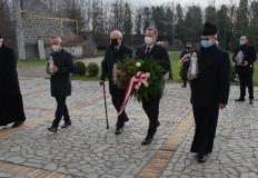 Konin. Złożeniem kwiatów uczczono ofiary katastrofy smoleńskiej