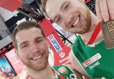 Dwóch koszykarzy z Konina  ...