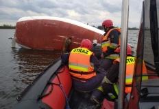 Na J. Pątnowskim przewróciła się żaglówka. Trzy osoby w wodzie