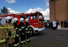 Żychlin. Nowy wóz strażacki dla jednostki OSP i medale dla druhów
