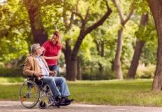 Jak zacząć pracę jako opiekunka osób starszych