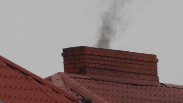 Konin nie ma problemu ze smogiem? Radni alarmują ws. starówki
