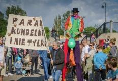 Konińska parada kundelków i nie tylko przeszła przez bulwar