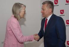 Ambasador Wielkiej Brytanii z wizytą w Koninie. Tu płynie energia