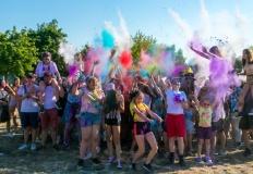 Święto Kolorów na Chorzniu. Wakacje zaczęli w tęczowych barwach