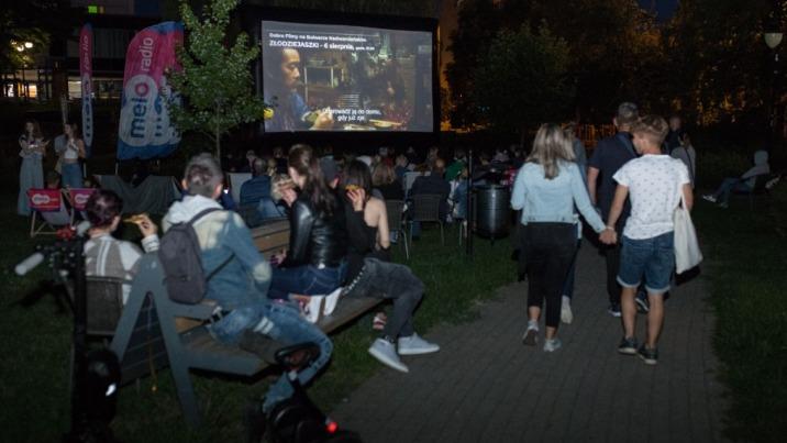 Kino pod gwiazdami. Rekordowa liczba widzów na placu przed KDK