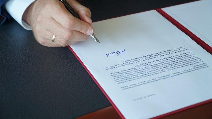 Apel wojewody o ustanowienie 27 grudnia świętem państwowym